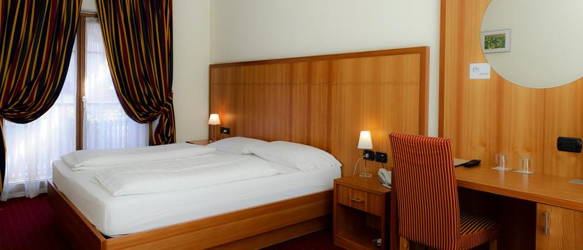italy_livigno_hotel-touring_standard-bedroom.jpg